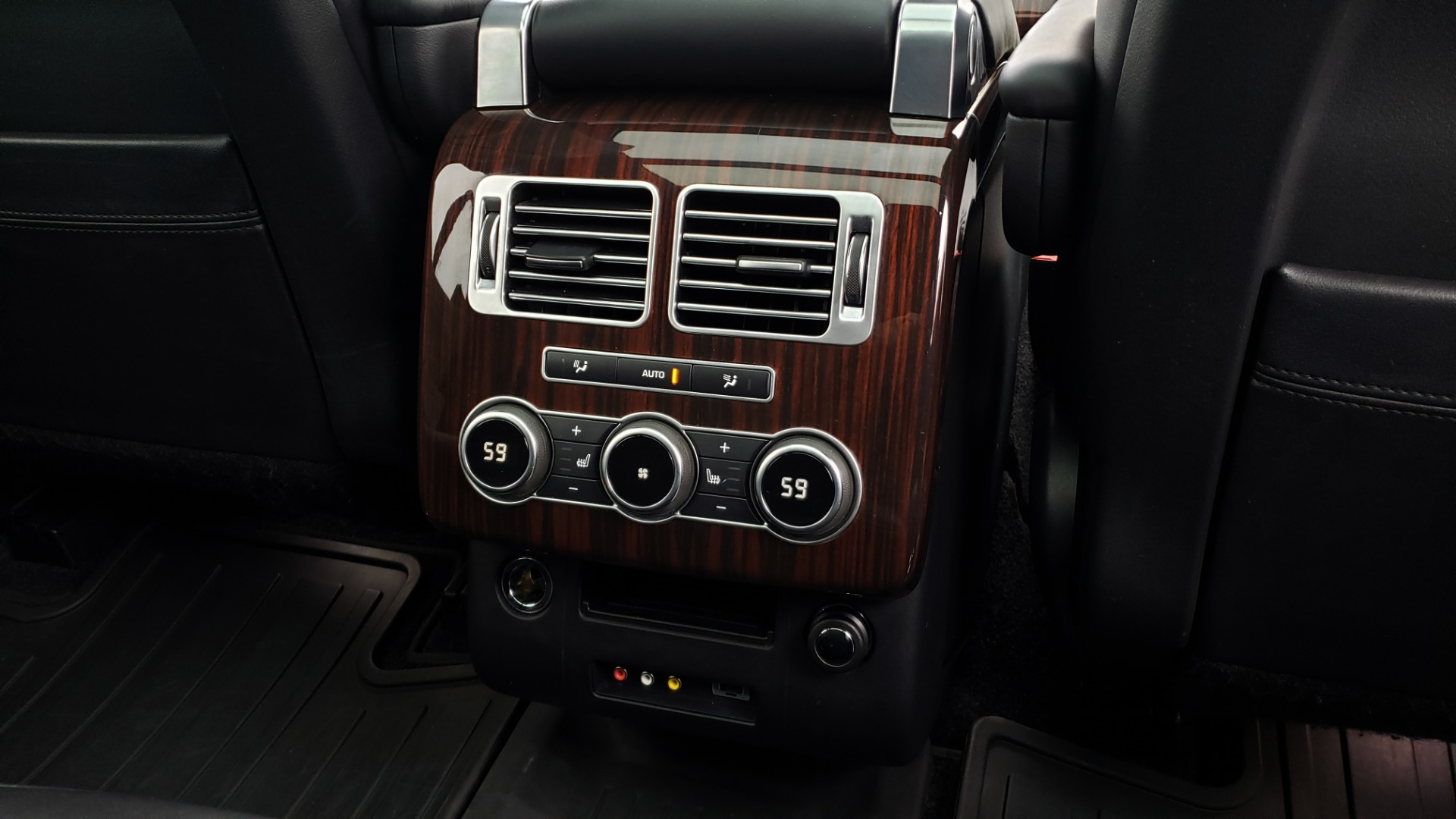 Used 2016 Land Rover Range Rover Supercharged for sale $54,995 at Formula Imports in Charlotte NC 28227 82