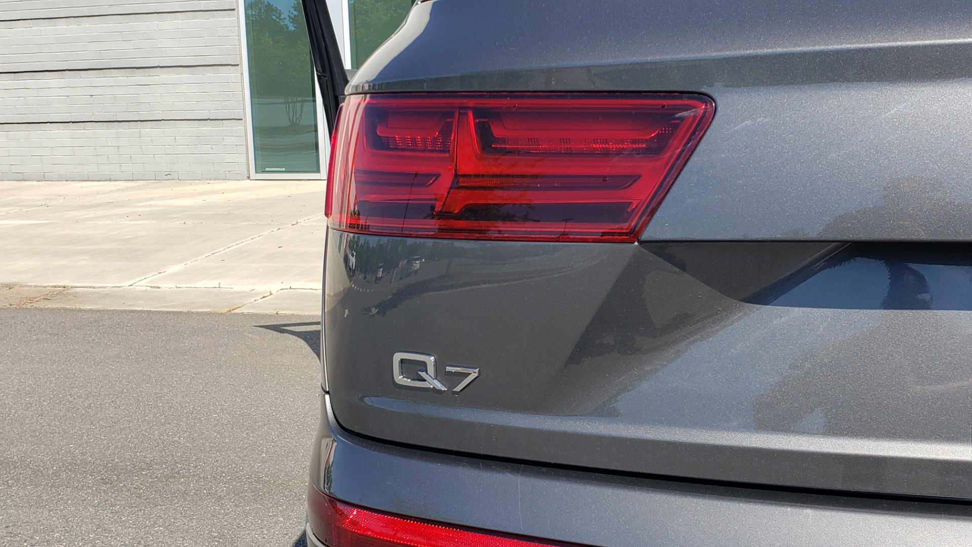 Used 2018 Audi Q7 PREMIUM PLUS TIPTRONIC / NAV / SUNROOF / VISION PKG / CLD WTHR / REARVIEW for sale $44,395 at Formula Imports in Charlotte NC 28227 32
