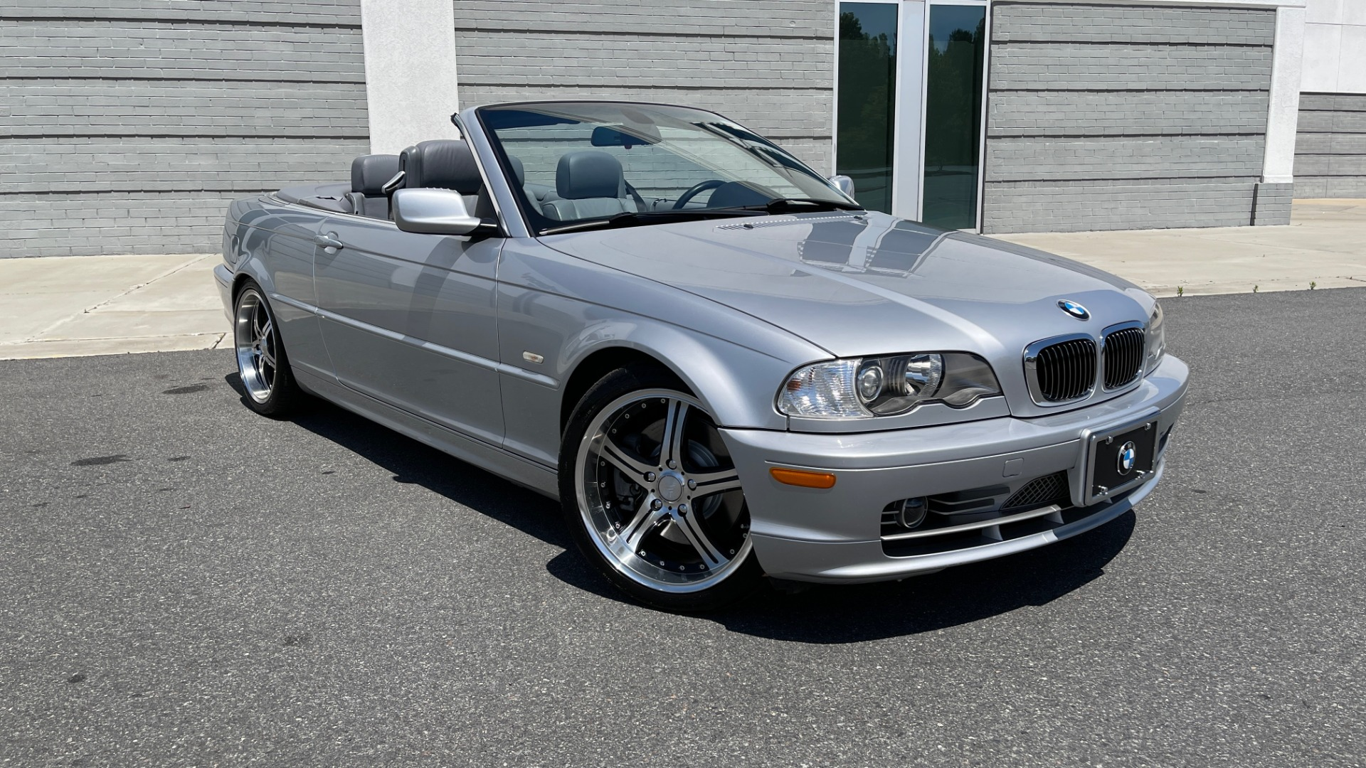 Used 2003 BMW 3 SERIES 330CI PREMIUM CONVERTIBLE / SPORT PKG / XENON HDLTS / STEPTRONIC AUTO for sale Sold at Formula Imports in Charlotte NC 28227 2