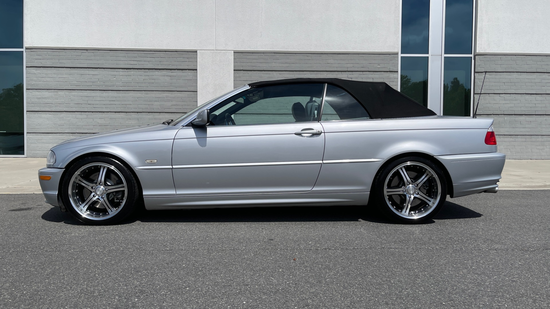 Used 2003 BMW 3 SERIES 330CI PREMIUM CONVERTIBLE / SPORT PKG / XENON HDLTS / STEPTRONIC AUTO for sale Sold at Formula Imports in Charlotte NC 28227 9