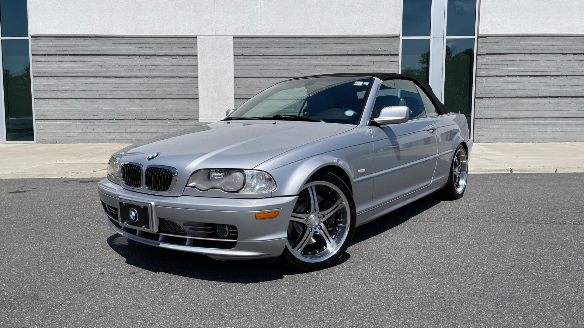 Used 2003 BMW 3 SERIES 330CI PREMIUM CONVERTIBLE / SPORT PKG / XENON HDLTS / STEPTRONIC AUTO for sale Sold at Formula Imports in Charlotte NC 28227 99