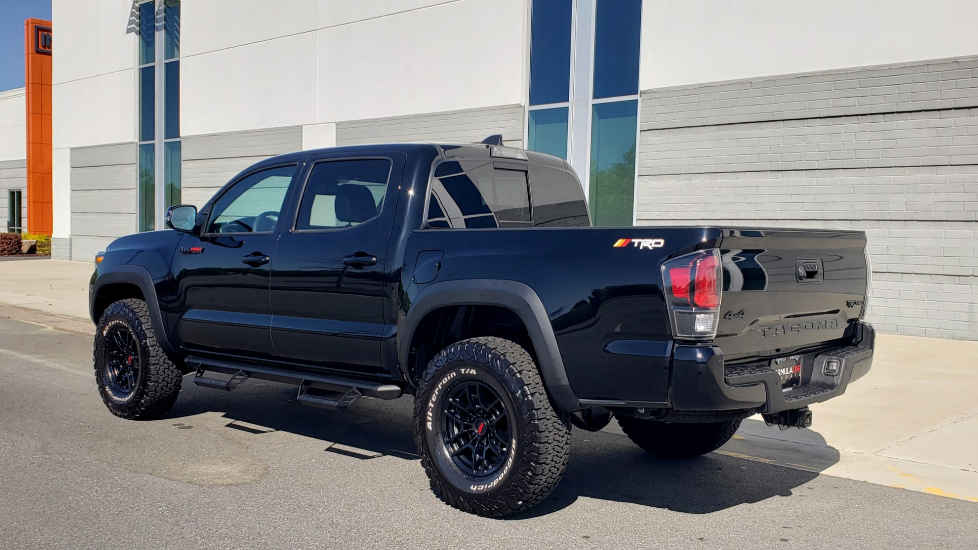Used 2020 Toyota TACOMA 4WD TRD PRO / DOUBLECAB / 6-SPD MAN / NAV / SUNROOF / REARVIEW for sale Sold at Formula Imports in Charlotte NC 28227 5