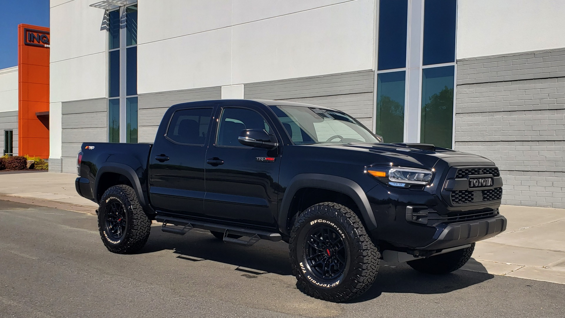 Used 2020 Toyota TACOMA 4WD TRD PRO / DOUBLECAB / 6-SPD MAN / NAV / SUNROOF / REARVIEW for sale Sold at Formula Imports in Charlotte NC 28227 6
