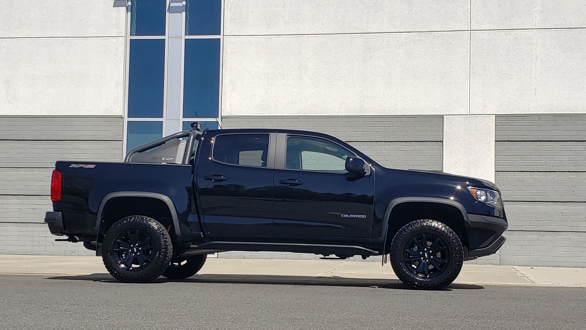 Used 2018 Chevrolet COLORADO 4WD ZR2 / CREWCAB / 128.3 WB / NAV / MIDNIGHT EDITION / BOSE for sale Sold at Formula Imports in Charlotte NC 28227 11