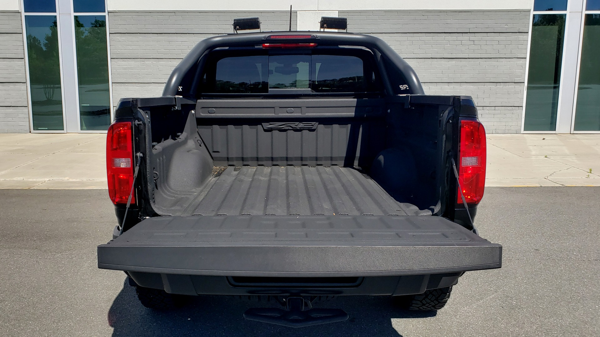 Used 2018 Chevrolet COLORADO 4WD ZR2 / CREWCAB / 128.3 WB / NAV / MIDNIGHT EDITION / BOSE for sale Sold at Formula Imports in Charlotte NC 28227 32