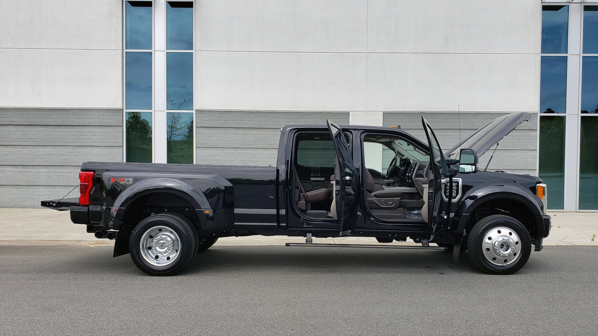 Used 2019 Ford SUPER DUTY F-450 DRW LIMITED / 4X4 / CREWCAB 176IN WB / LOADED / LOW MILES for sale Sold at Formula Imports in Charlotte NC 28227 15