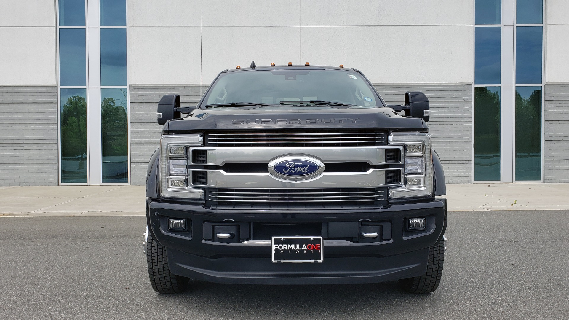 Used 2019 Ford SUPER DUTY F-450 DRW LIMITED / 4X4 / CREWCAB 176IN WB / LOADED / LOW MILES for sale Sold at Formula Imports in Charlotte NC 28227 25