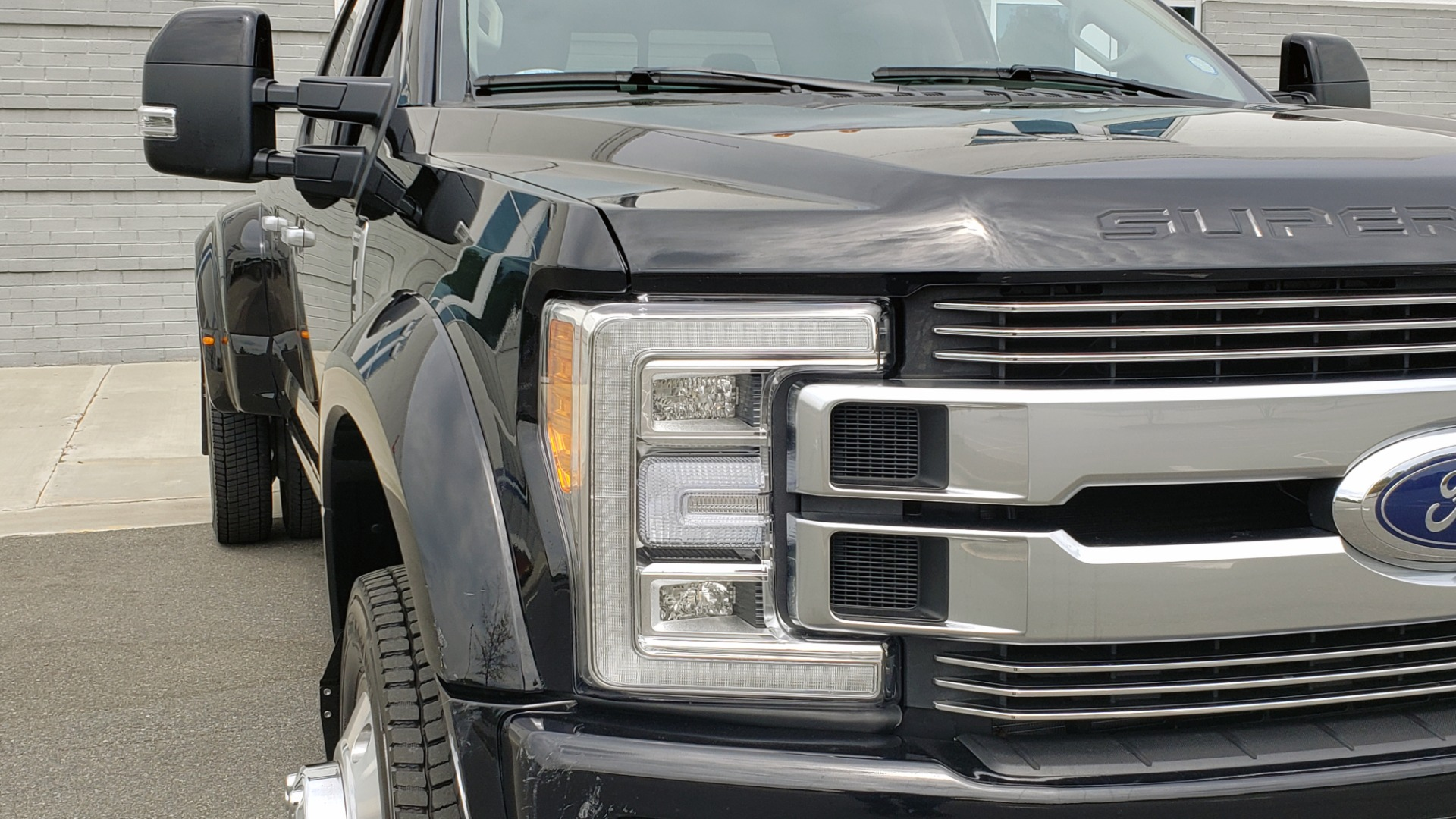 Used 2019 Ford SUPER DUTY F-450 DRW LIMITED / 4X4 / CREWCAB 176IN WB / LOADED / LOW MILES for sale Sold at Formula Imports in Charlotte NC 28227 26