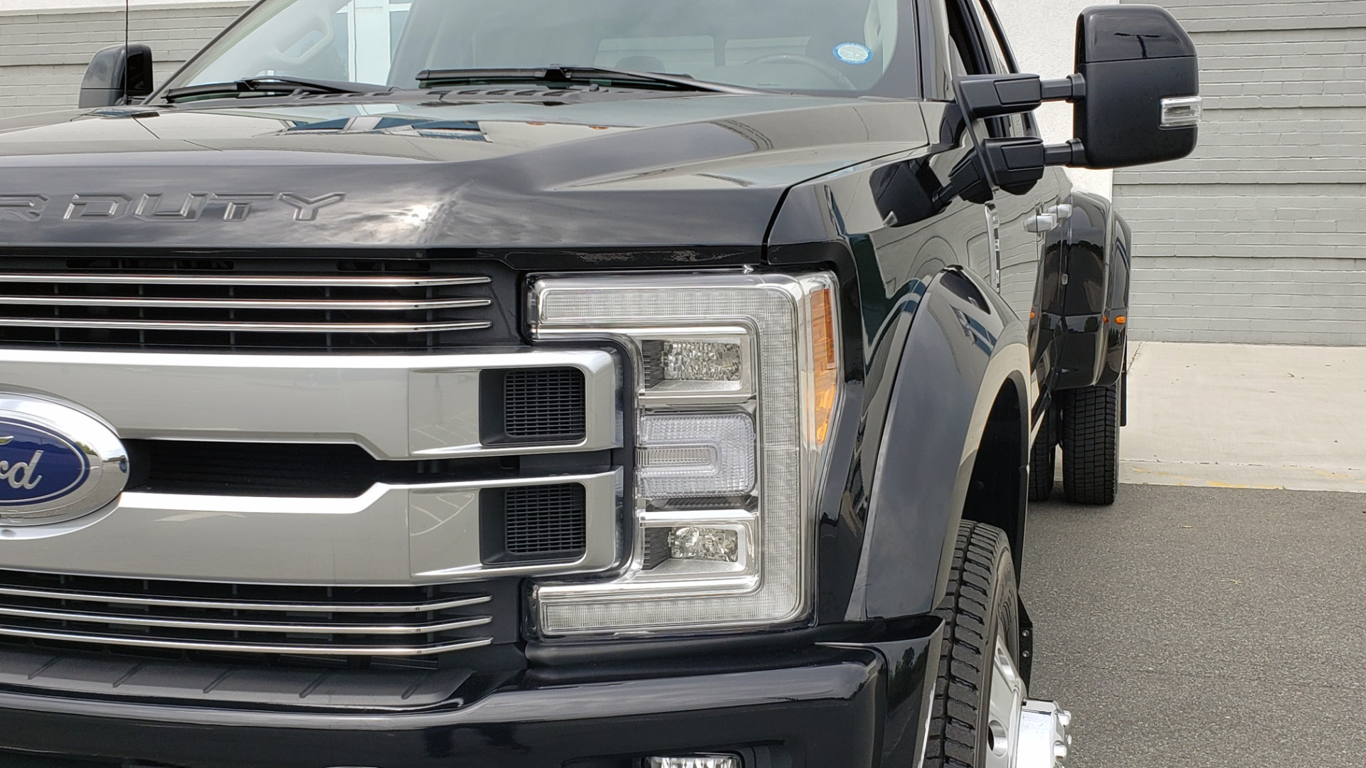 Used 2019 Ford SUPER DUTY F-450 DRW LIMITED / 4X4 / CREWCAB 176IN WB / LOADED / LOW MILES for sale Sold at Formula Imports in Charlotte NC 28227 27