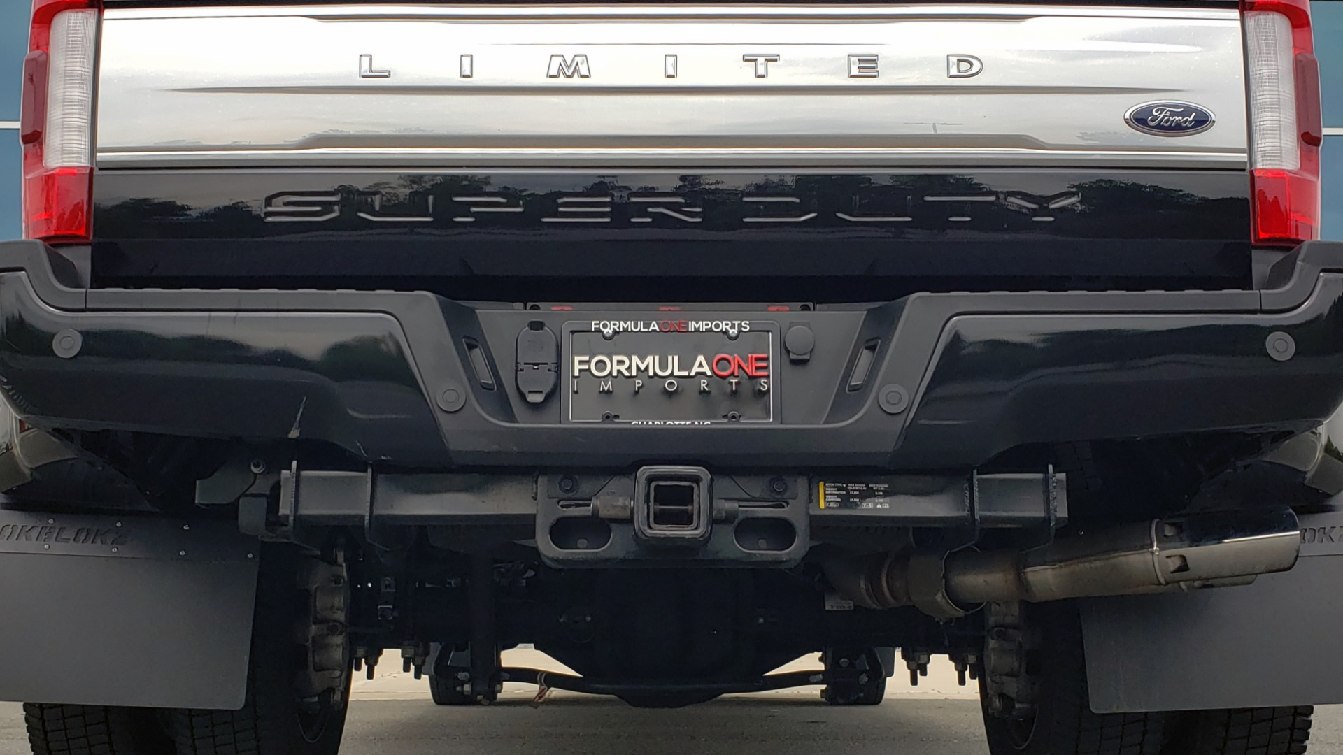 Used 2019 Ford SUPER DUTY F-450 DRW LIMITED / 4X4 / CREWCAB 176IN WB / LOADED / LOW MILES for sale Sold at Formula Imports in Charlotte NC 28227 34