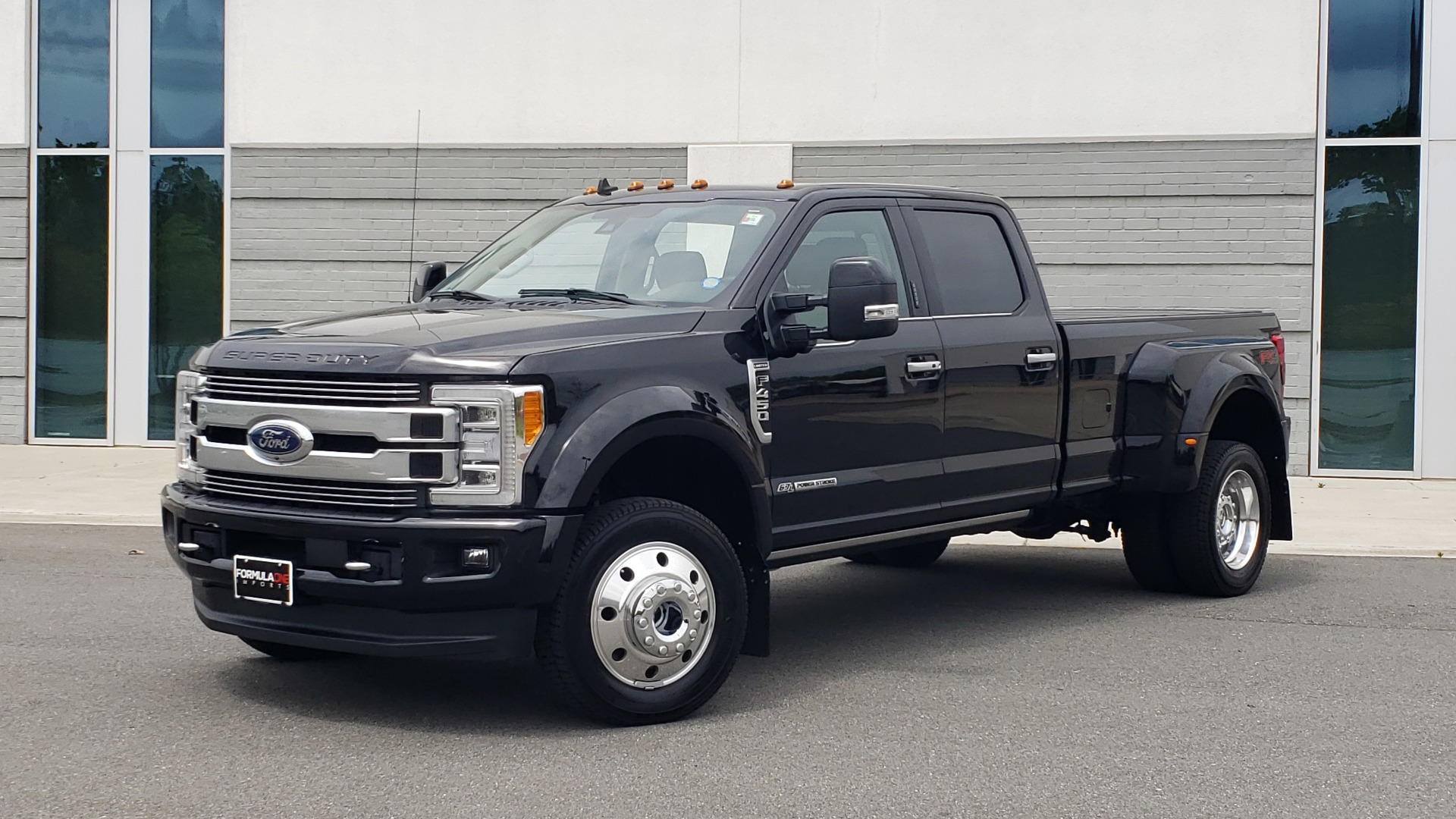 Used 2019 Ford SUPER DUTY F-450 DRW LIMITED / 4X4 / CREWCAB 176IN WB / LOADED / LOW MILES for sale Sold at Formula Imports in Charlotte NC 28227 1