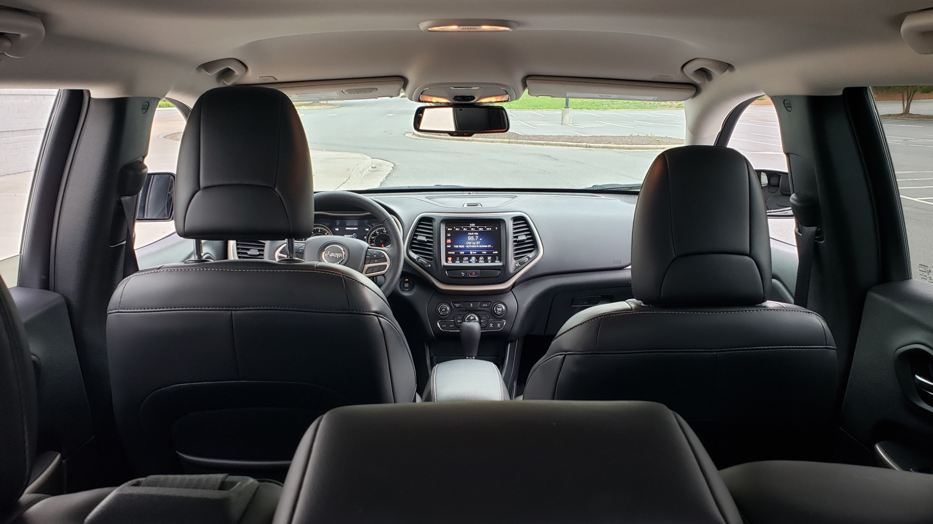 Used 2018 Jeep CHEROKEE LIMITED HIGH ALTITUDE FWD / PARK ASST / BLIND SPOT / REARVIEW for sale $20,995 at Formula Imports in Charlotte NC 28227 17
