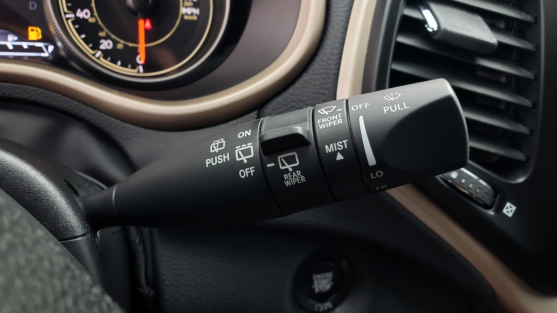 Used 2018 Jeep CHEROKEE LIMITED HIGH ALTITUDE FWD / PARK ASST / BLIND SPOT / REARVIEW for sale $20,995 at Formula Imports in Charlotte NC 28227 43