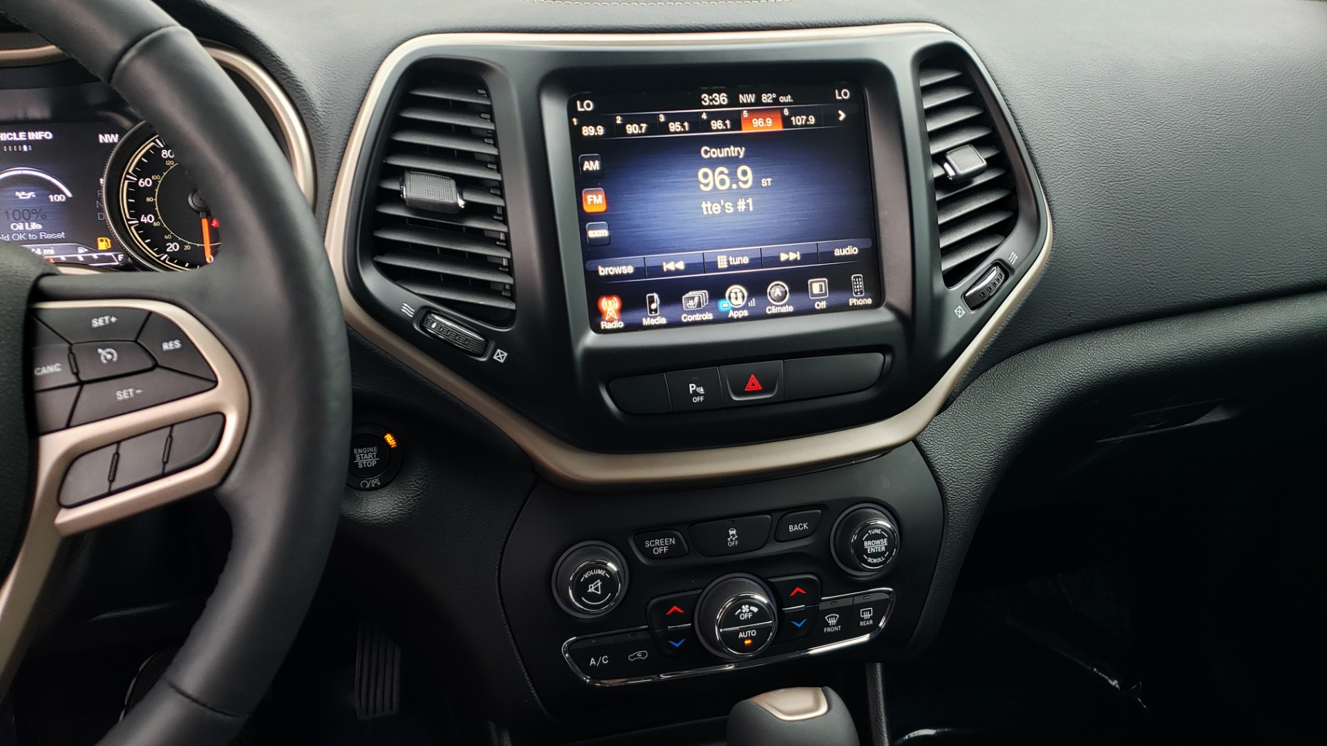 Used 2018 Jeep CHEROKEE LIMITED HIGH ALTITUDE FWD / PARK ASST / BLIND SPOT / REARVIEW for sale $20,995 at Formula Imports in Charlotte NC 28227 44