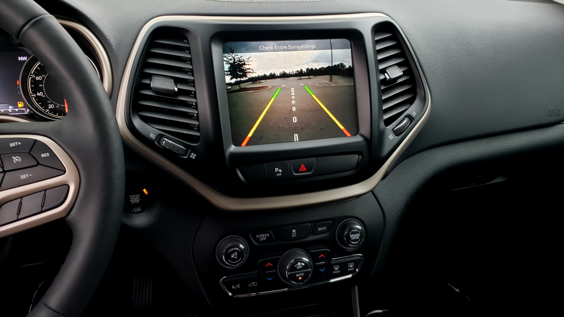 Used 2018 Jeep CHEROKEE LIMITED HIGH ALTITUDE FWD / PARK ASST / BLIND SPOT / REARVIEW for sale $20,995 at Formula Imports in Charlotte NC 28227 45