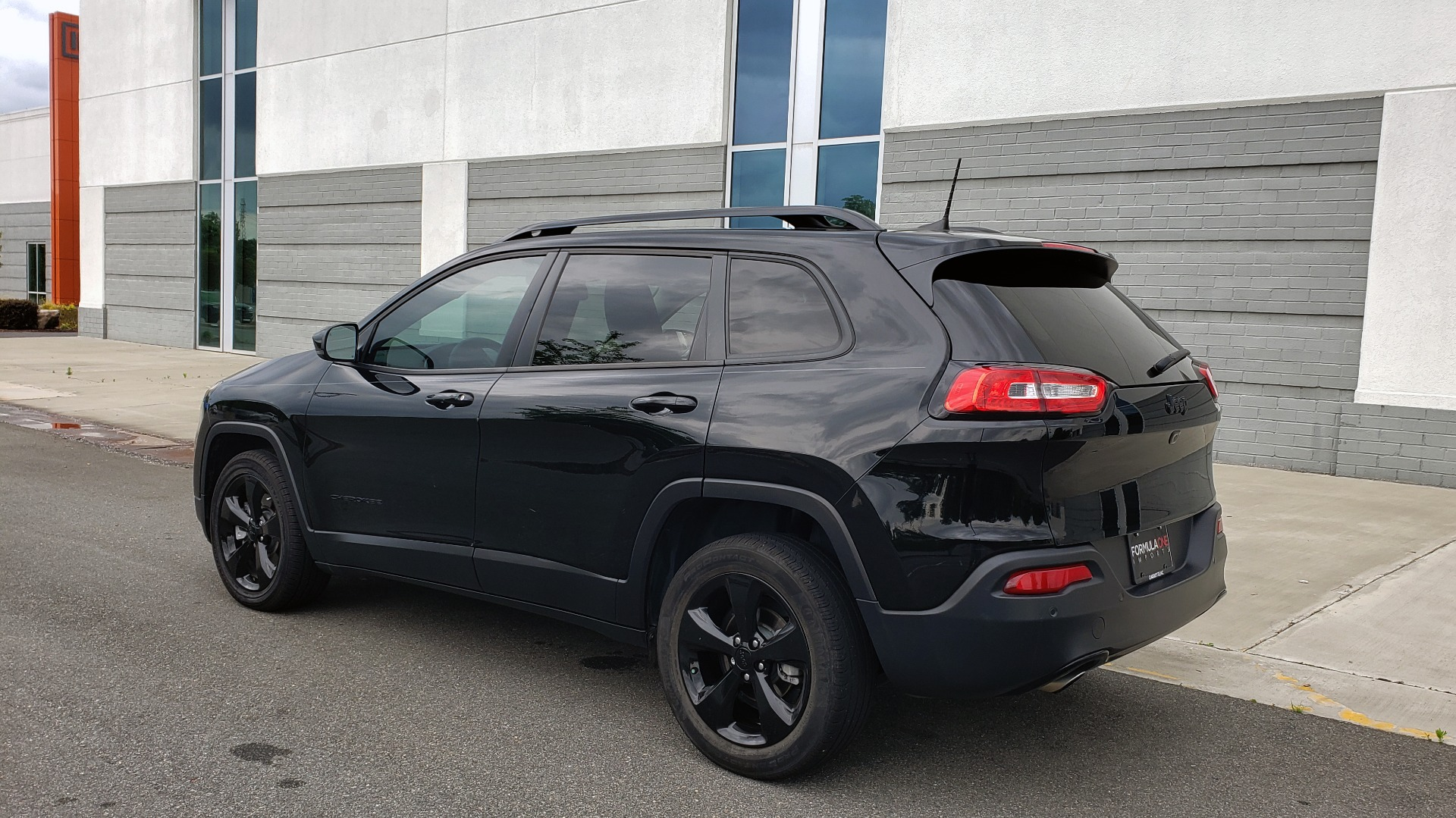 Used 2018 Jeep CHEROKEE LIMITED HIGH ALTITUDE FWD / PARK ASST / BLIND SPOT / REARVIEW for sale $20,995 at Formula Imports in Charlotte NC 28227 5