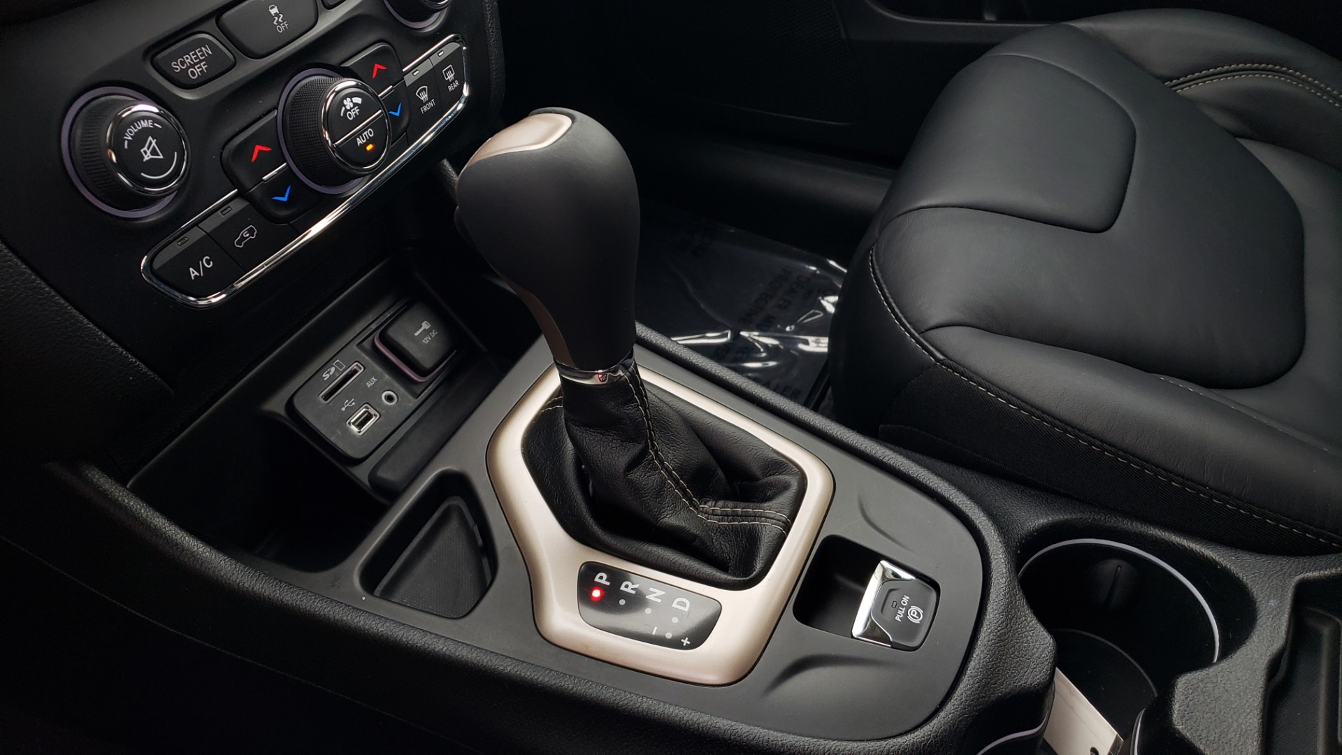 Used 2018 Jeep CHEROKEE LIMITED HIGH ALTITUDE FWD / PARK ASST / BLIND SPOT / REARVIEW for sale $20,995 at Formula Imports in Charlotte NC 28227 50