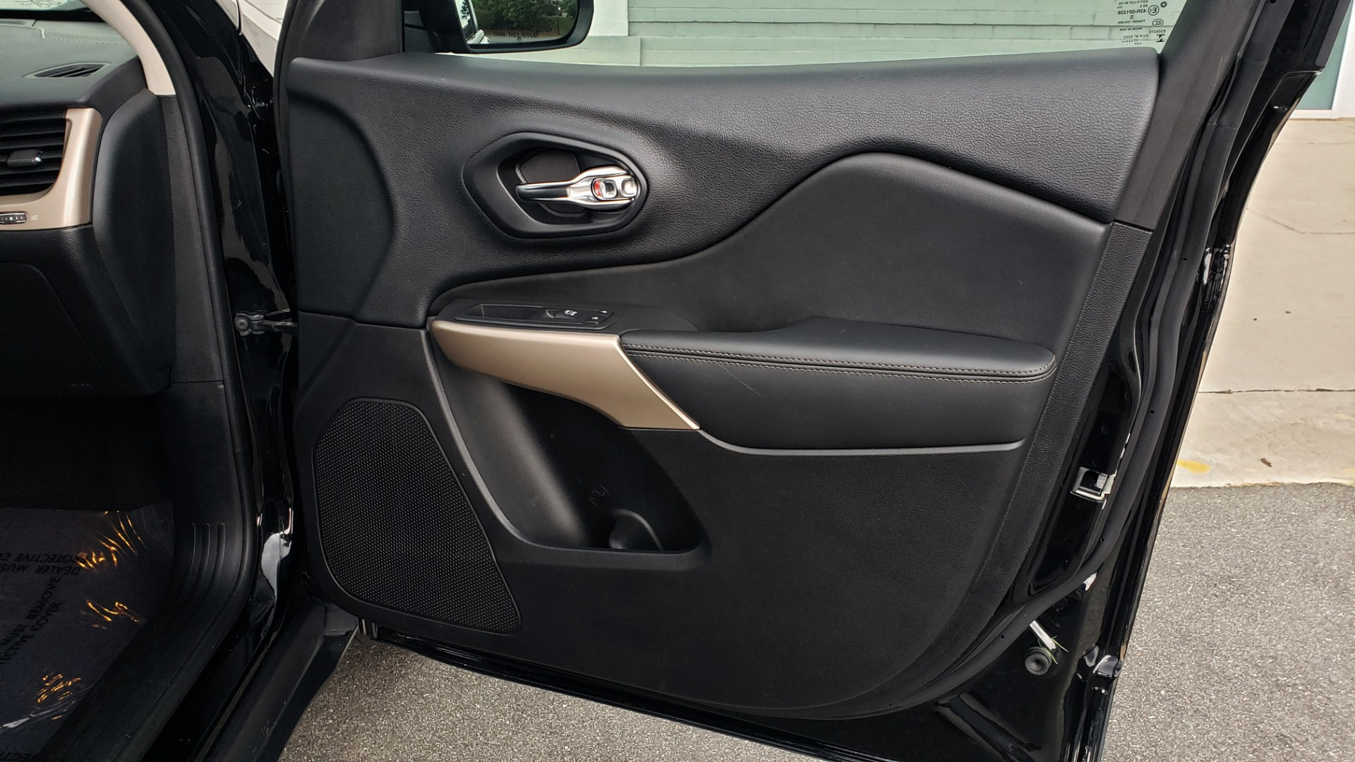 Used 2018 Jeep CHEROKEE LIMITED HIGH ALTITUDE FWD / PARK ASST / BLIND SPOT / REARVIEW for sale $20,995 at Formula Imports in Charlotte NC 28227 63