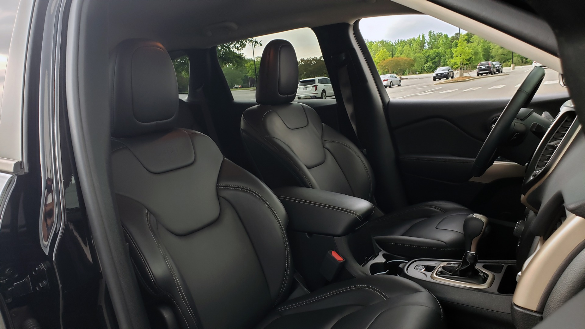 Used 2018 Jeep CHEROKEE LIMITED HIGH ALTITUDE FWD / PARK ASST / BLIND SPOT / REARVIEW for sale $20,995 at Formula Imports in Charlotte NC 28227 66