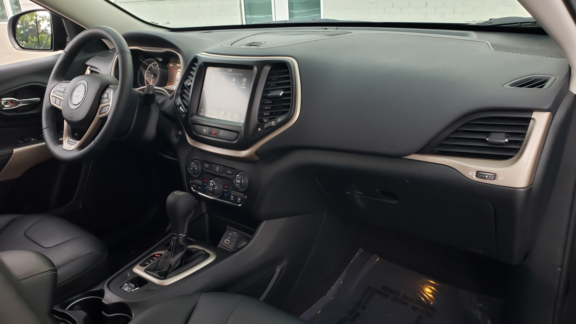 Used 2018 Jeep CHEROKEE LIMITED HIGH ALTITUDE FWD / PARK ASST / BLIND SPOT / REARVIEW for sale $20,995 at Formula Imports in Charlotte NC 28227 67