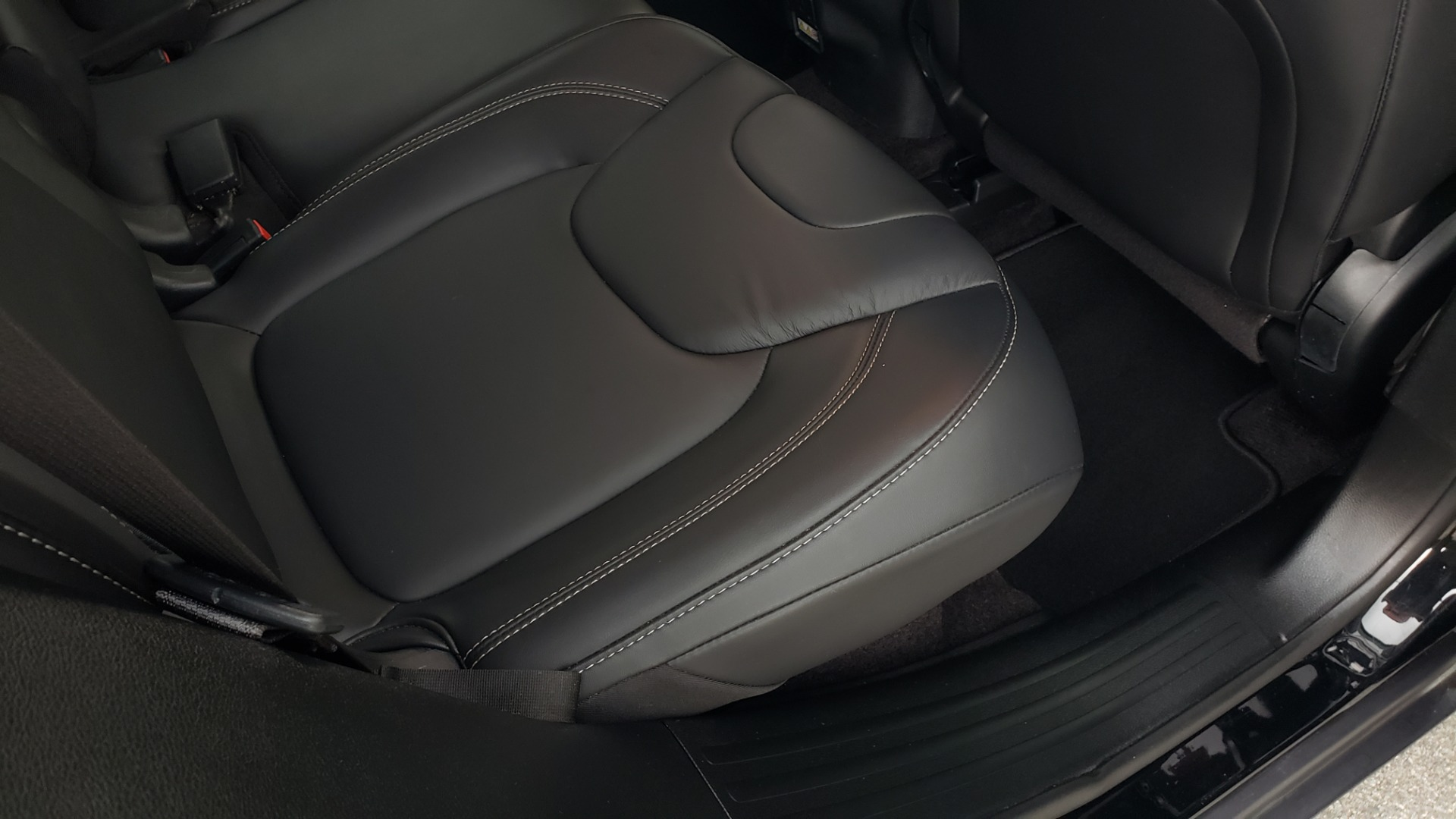 Used 2018 Jeep CHEROKEE LIMITED HIGH ALTITUDE FWD / PARK ASST / BLIND SPOT / REARVIEW for sale $20,995 at Formula Imports in Charlotte NC 28227 70