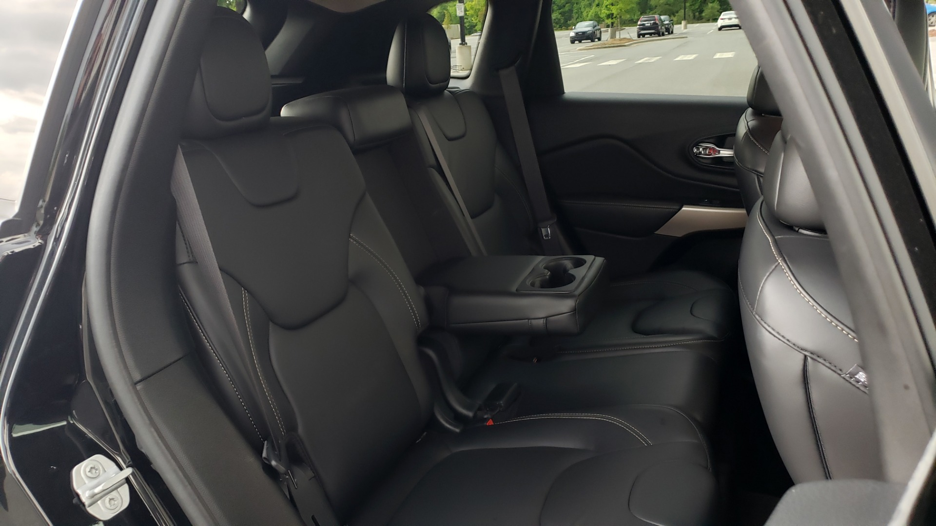 Used 2018 Jeep CHEROKEE LIMITED HIGH ALTITUDE FWD / PARK ASST / BLIND SPOT / REARVIEW for sale $20,995 at Formula Imports in Charlotte NC 28227 71