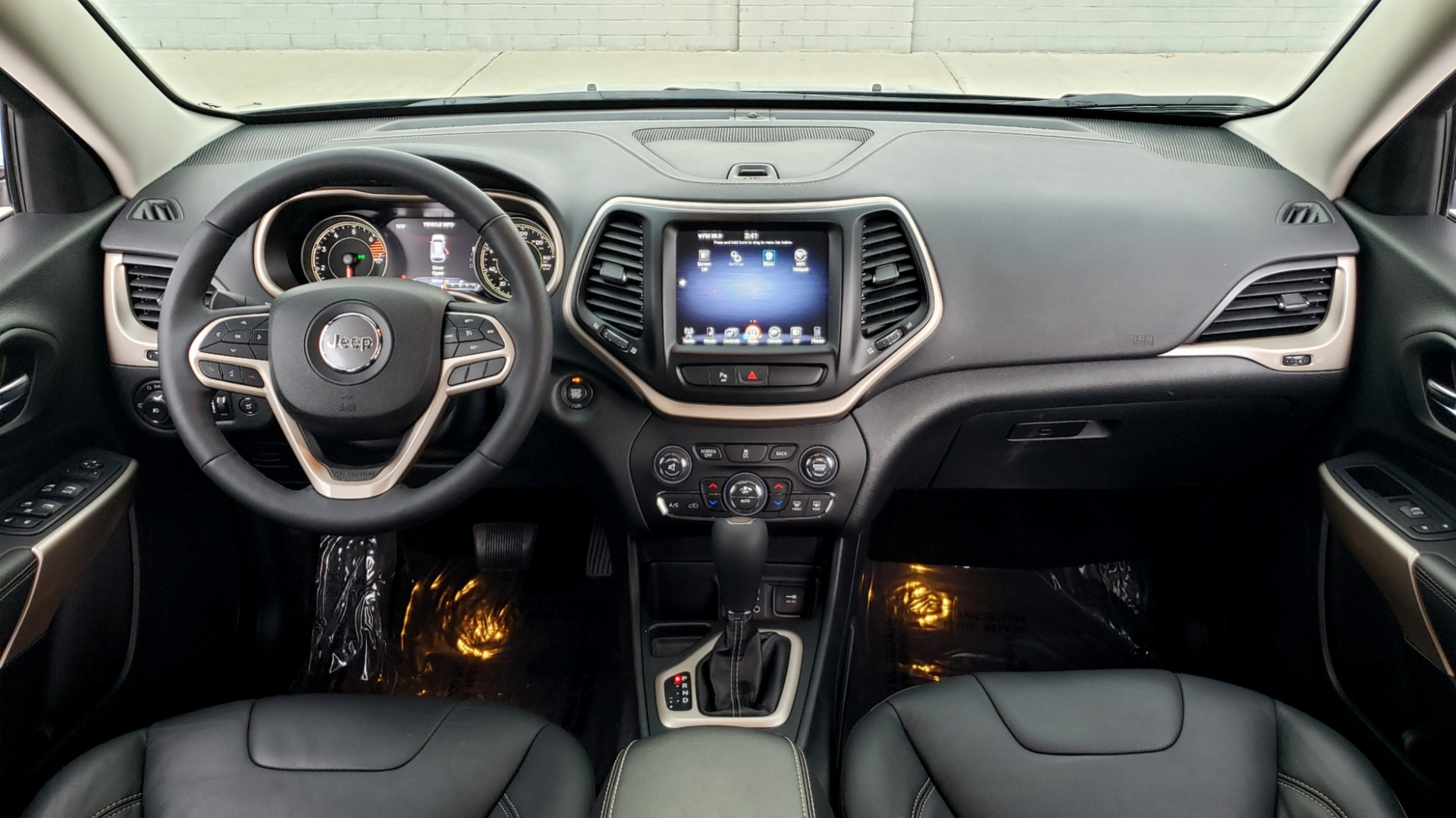 Used 2018 Jeep CHEROKEE LIMITED HIGH ALTITUDE FWD / PARK ASST / BLIND SPOT / REARVIEW for sale $20,995 at Formula Imports in Charlotte NC 28227 76