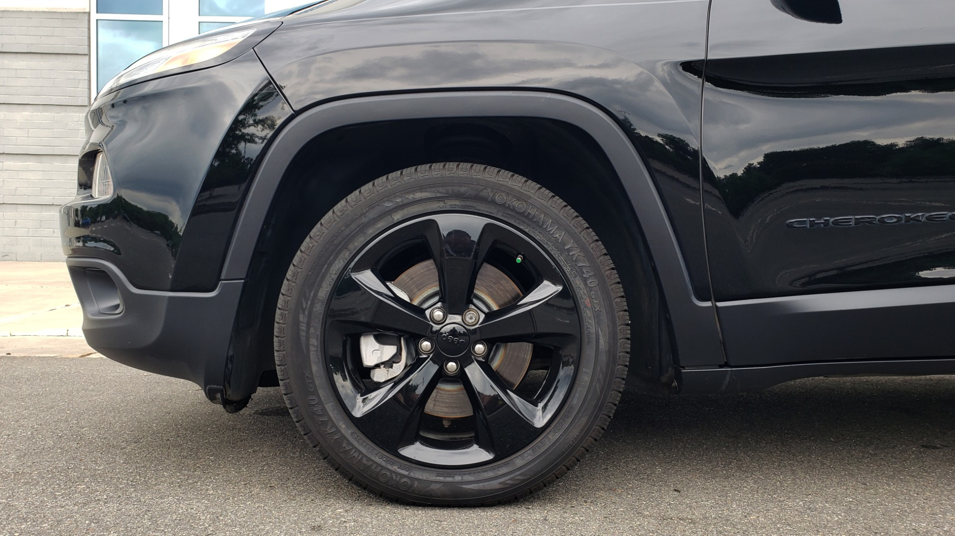 Used 2018 Jeep CHEROKEE LIMITED HIGH ALTITUDE FWD / PARK ASST / BLIND SPOT / REARVIEW for sale $20,995 at Formula Imports in Charlotte NC 28227 77