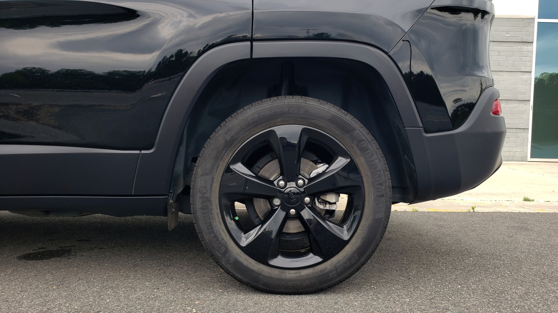 Used 2018 Jeep CHEROKEE LIMITED HIGH ALTITUDE FWD / PARK ASST / BLIND SPOT / REARVIEW for sale $20,995 at Formula Imports in Charlotte NC 28227 78
