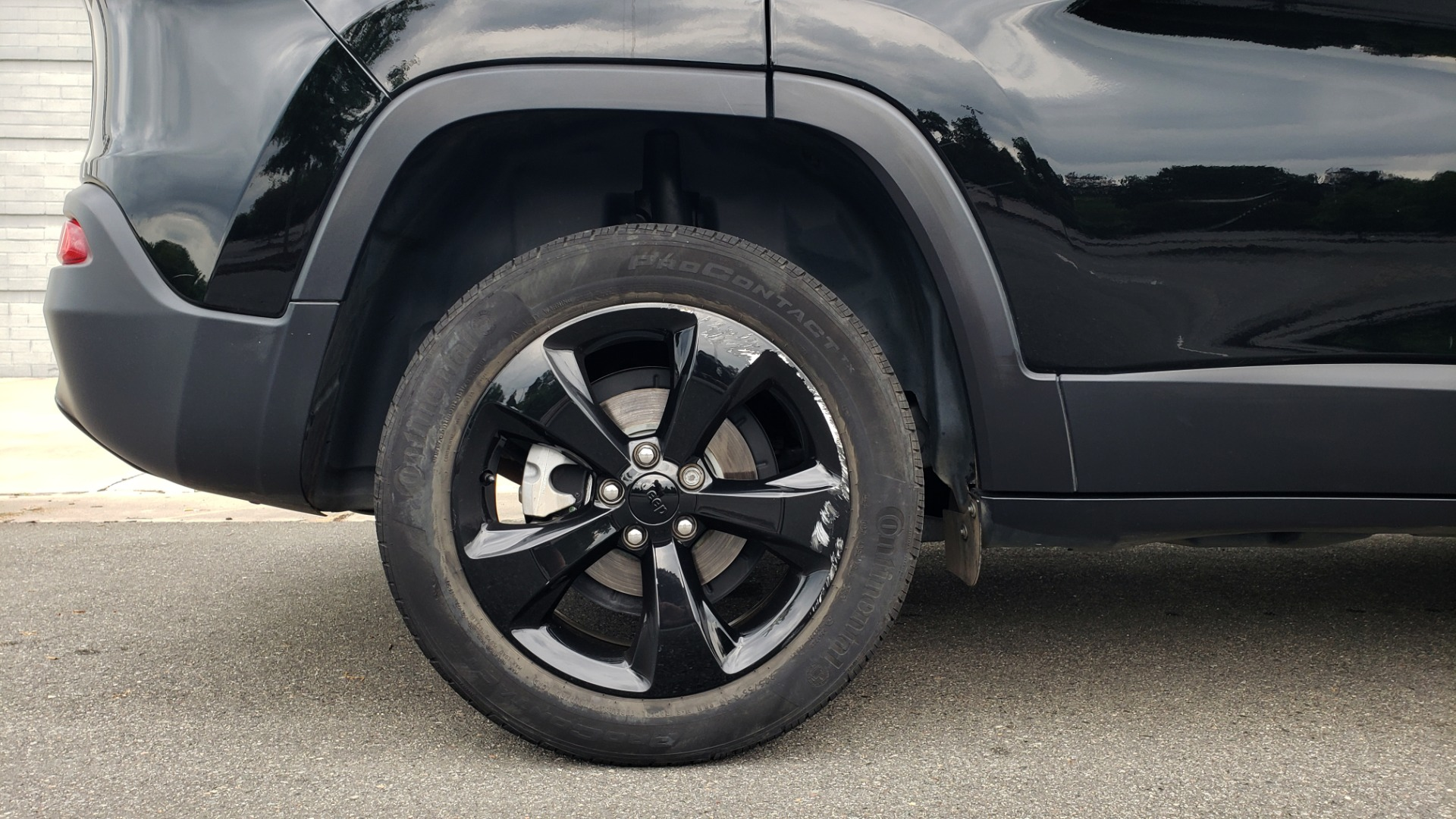Used 2018 Jeep CHEROKEE LIMITED HIGH ALTITUDE FWD / PARK ASST / BLIND SPOT / REARVIEW for sale $20,995 at Formula Imports in Charlotte NC 28227 79