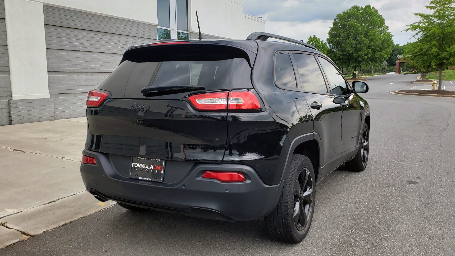 Used 2018 Jeep CHEROKEE LIMITED HIGH ALTITUDE FWD / PARK ASST / BLIND SPOT / REARVIEW for sale $20,995 at Formula Imports in Charlotte NC 28227 8