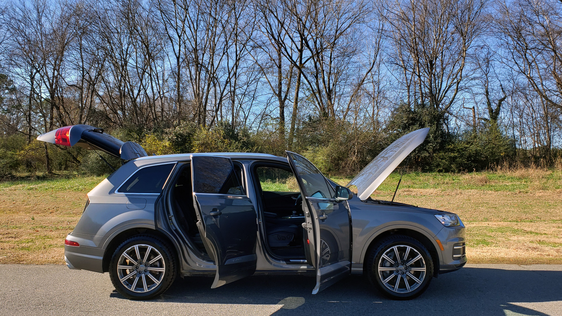 Used 2017 Audi Q7 PREMIUM PLUS / 2.0T TIPTRONIC / NAV / PANO-ROOF / 3-ROW / REARVIEW for sale $33,999 at Formula Imports in Charlotte NC 28227 17