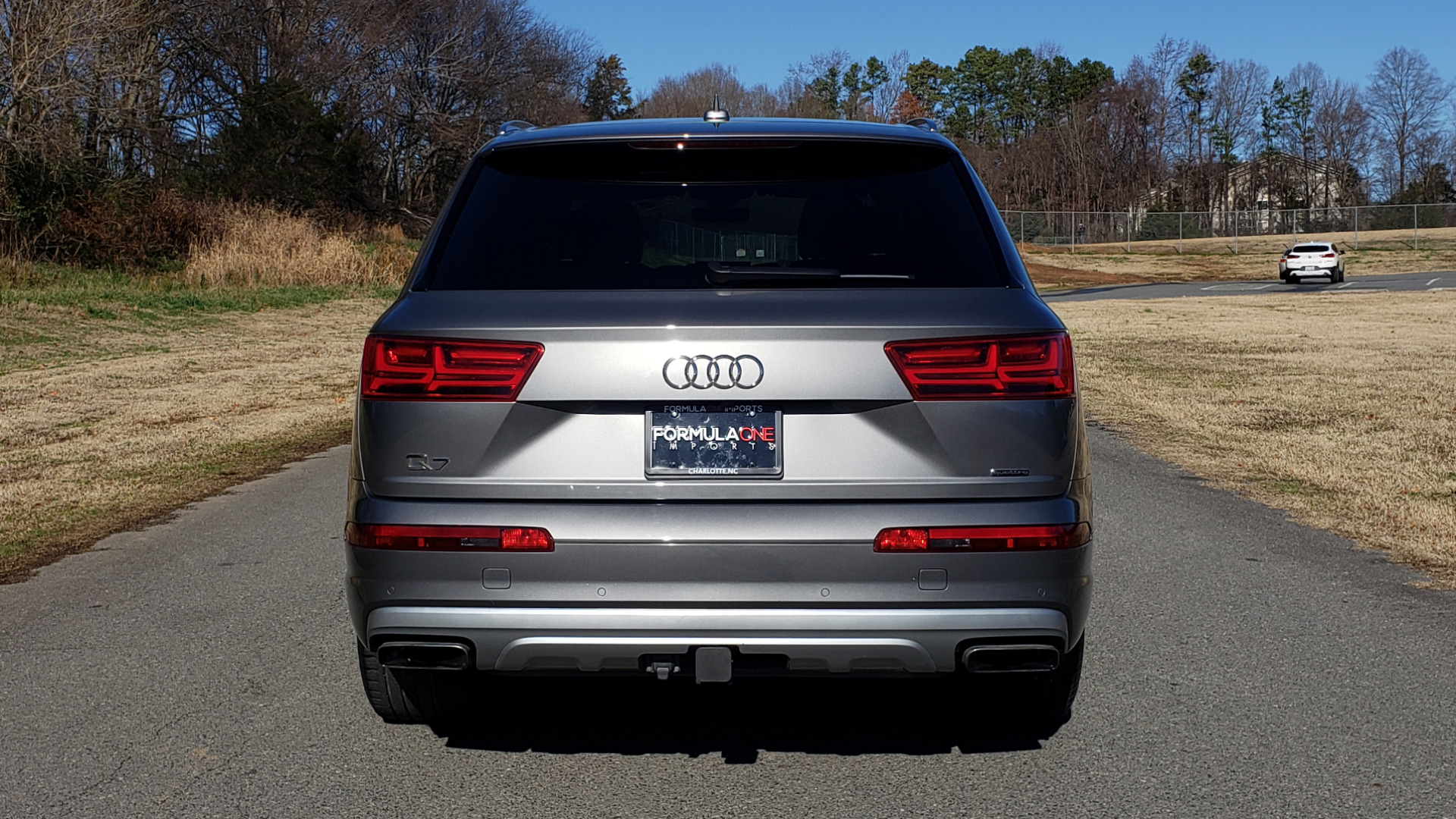 Used 2017 Audi Q7 PREMIUM PLUS / 2.0T TIPTRONIC / NAV / PANO-ROOF / 3-ROW / REARVIEW for sale $33,999 at Formula Imports in Charlotte NC 28227 24