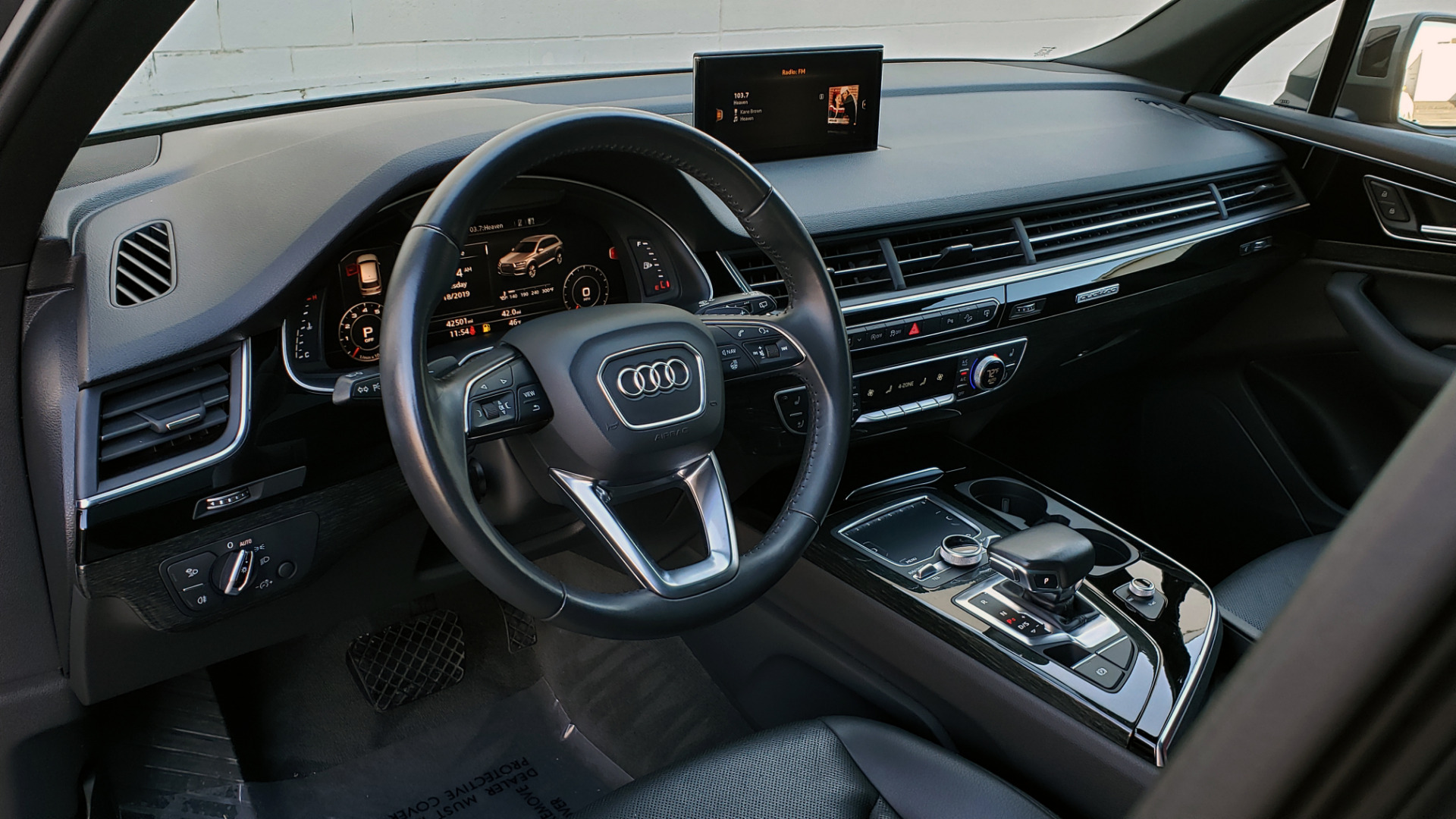 Used 2017 Audi Q7 PREMIUM PLUS / 2.0T TIPTRONIC / NAV / PANO-ROOF / 3-ROW / REARVIEW for sale $33,999 at Formula Imports in Charlotte NC 28227 45