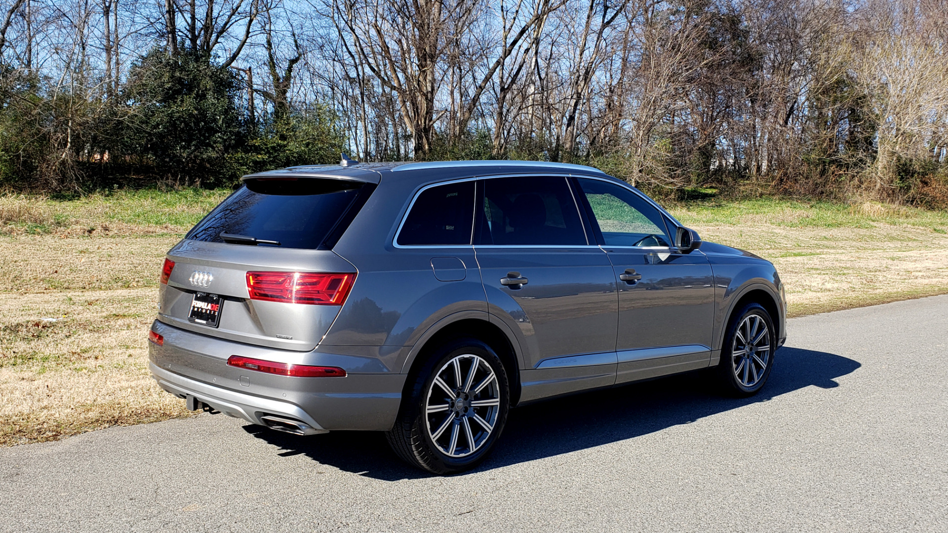 Used 2017 Audi Q7 PREMIUM PLUS / 2.0T TIPTRONIC / NAV / PANO-ROOF / 3-ROW / REARVIEW for sale $33,999 at Formula Imports in Charlotte NC 28227 5