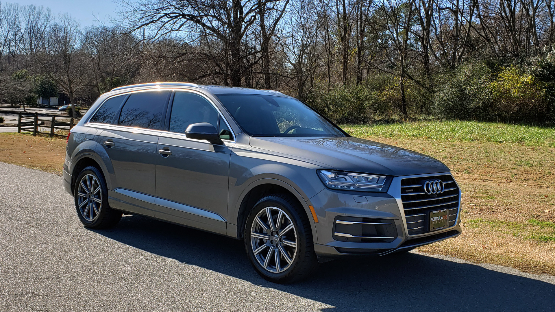 Used 2017 Audi Q7 PREMIUM PLUS / 2.0T TIPTRONIC / NAV / PANO-ROOF / 3-ROW / REARVIEW for sale $33,999 at Formula Imports in Charlotte NC 28227 6