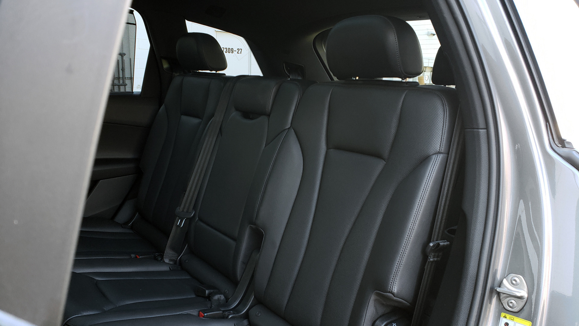 Used 2017 Audi Q7 PREMIUM PLUS / 2.0T TIPTRONIC / NAV / PANO-ROOF / 3-ROW / REARVIEW for sale $33,999 at Formula Imports in Charlotte NC 28227 71