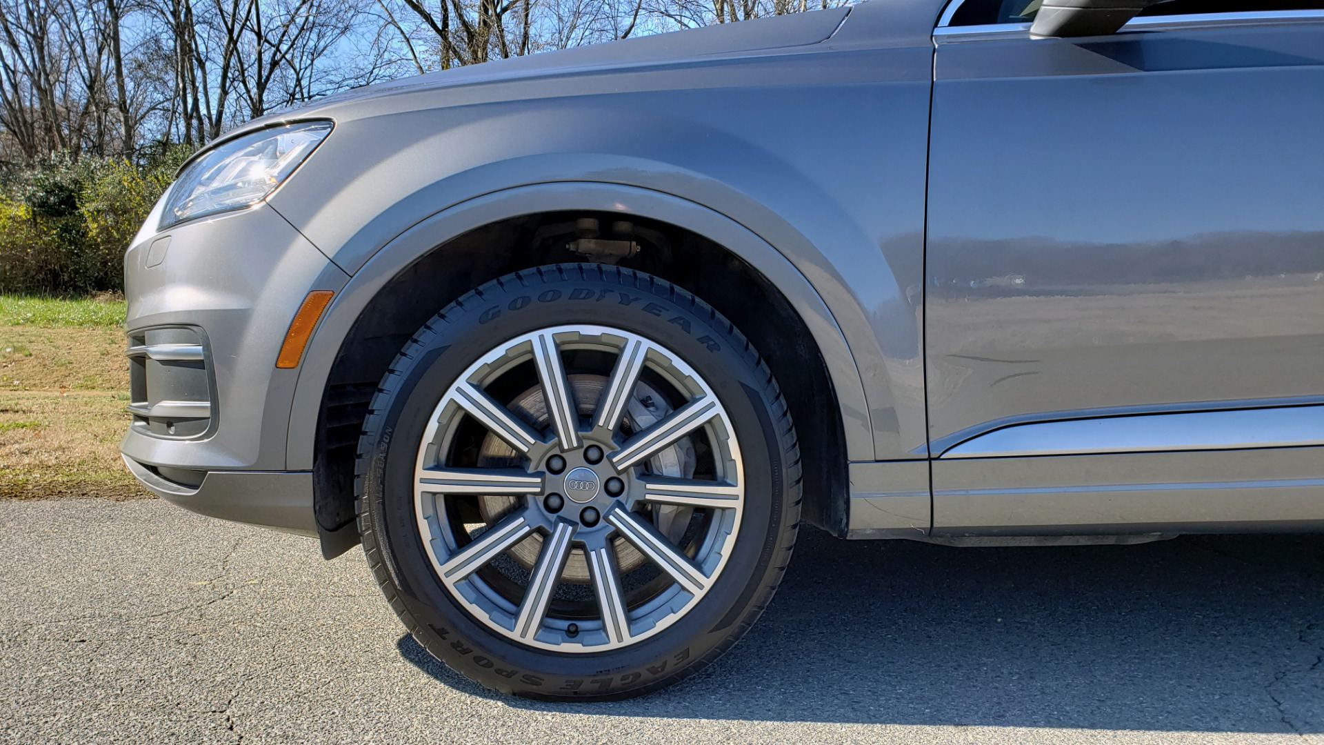 Used 2017 Audi Q7 PREMIUM PLUS / 2.0T TIPTRONIC / NAV / PANO-ROOF / 3-ROW / REARVIEW for sale $33,999 at Formula Imports in Charlotte NC 28227 86