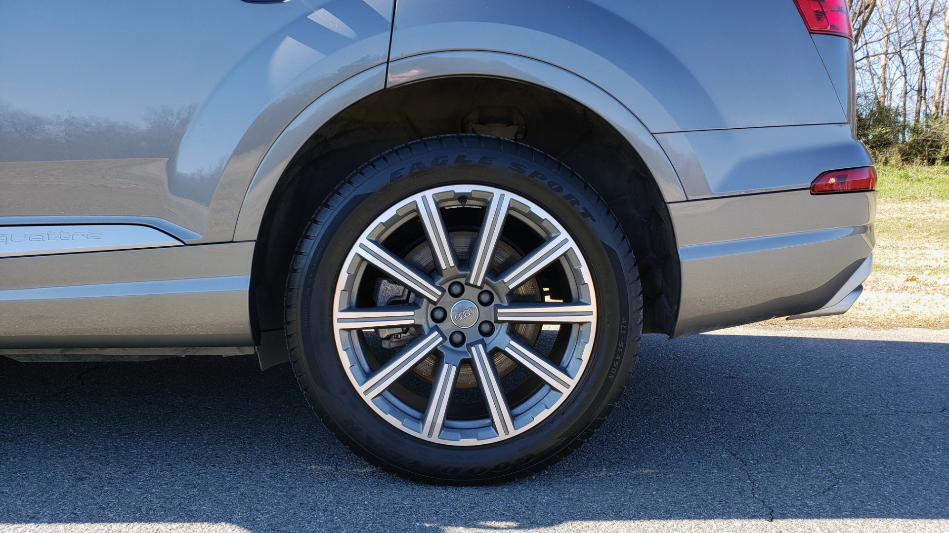 Used 2017 Audi Q7 PREMIUM PLUS / 2.0T TIPTRONIC / NAV / PANO-ROOF / 3-ROW / REARVIEW for sale $33,999 at Formula Imports in Charlotte NC 28227 87