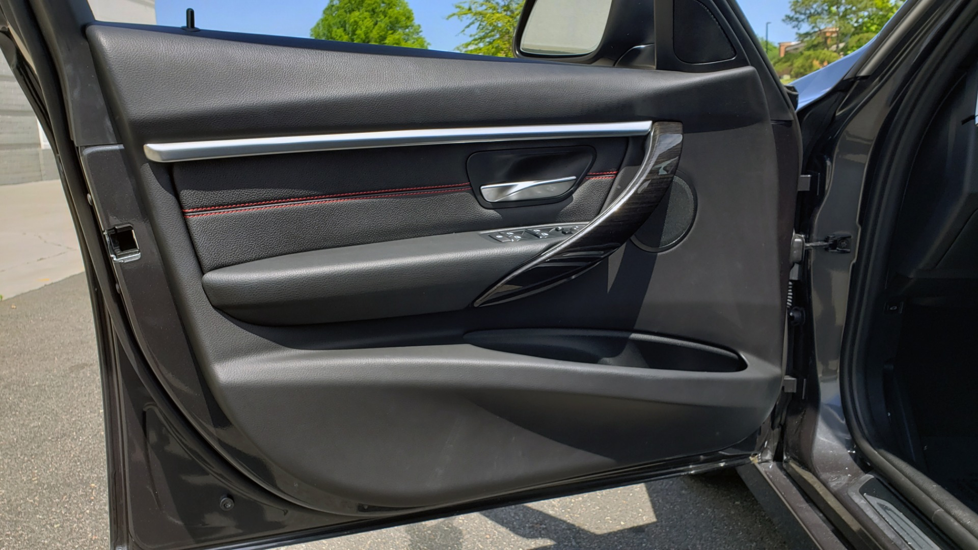 Used 2018 BMW 3 SERIES 330I XDRIVE / CONV PKG / SUNROOF / SPORT STS / HTD STS / REARVIEW for sale $28,495 at Formula Imports in Charlotte NC 28227 29