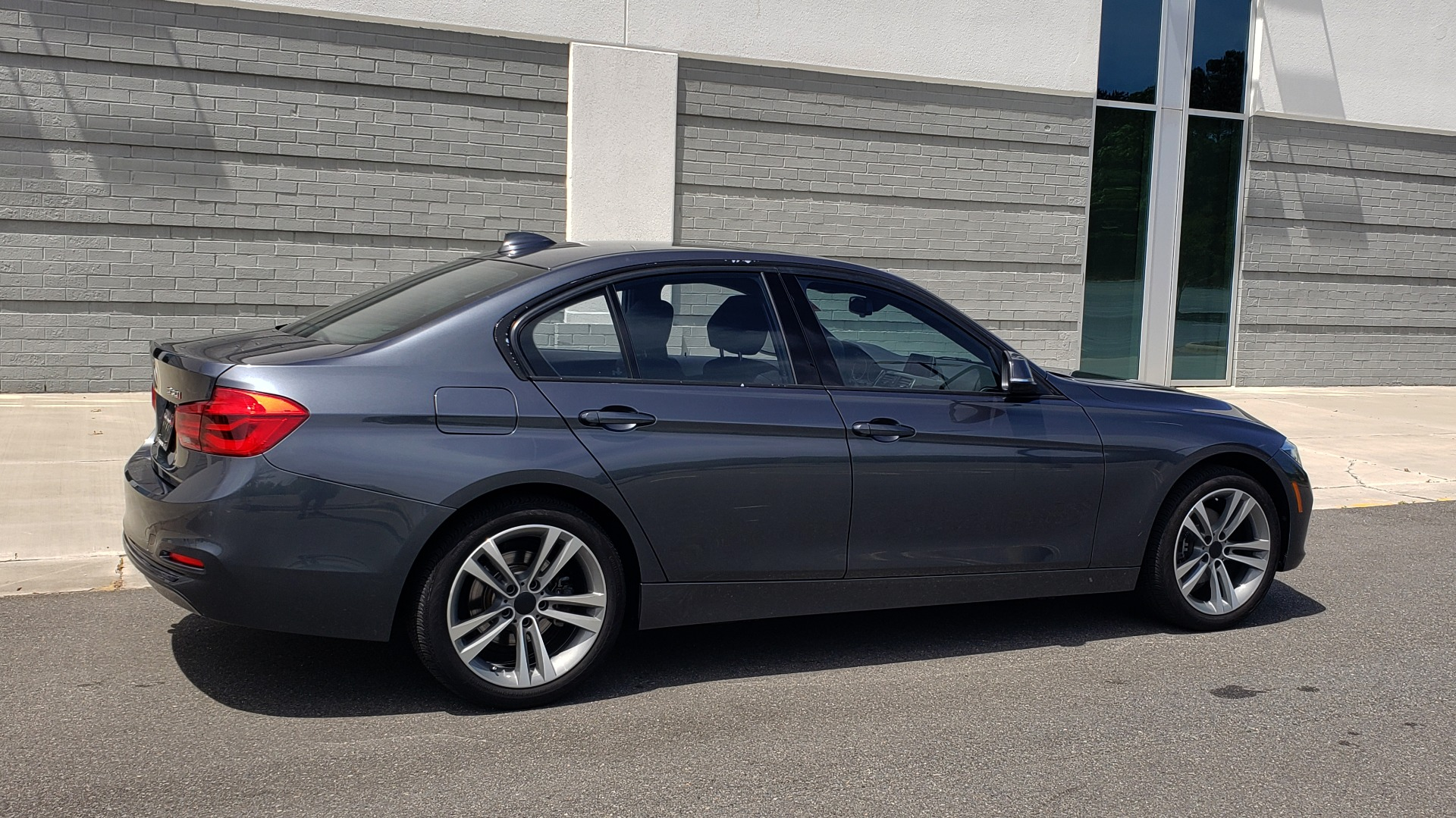 Used 2018 BMW 3 SERIES 330I XDRIVE / CONV PKG / SUNROOF / SPORT STS / HTD STS / REARVIEW for sale $28,495 at Formula Imports in Charlotte NC 28227 7