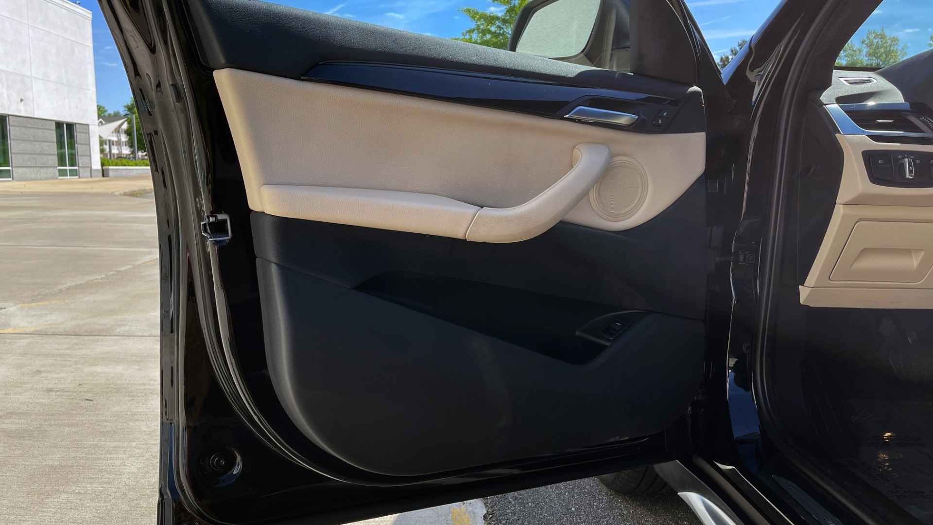 Used 2018 BMW X1 XDRIVE28I / CONV PKG / HTD SEATS / PANO-ROOF / REARVIEW for sale Sold at Formula Imports in Charlotte NC 28227 27