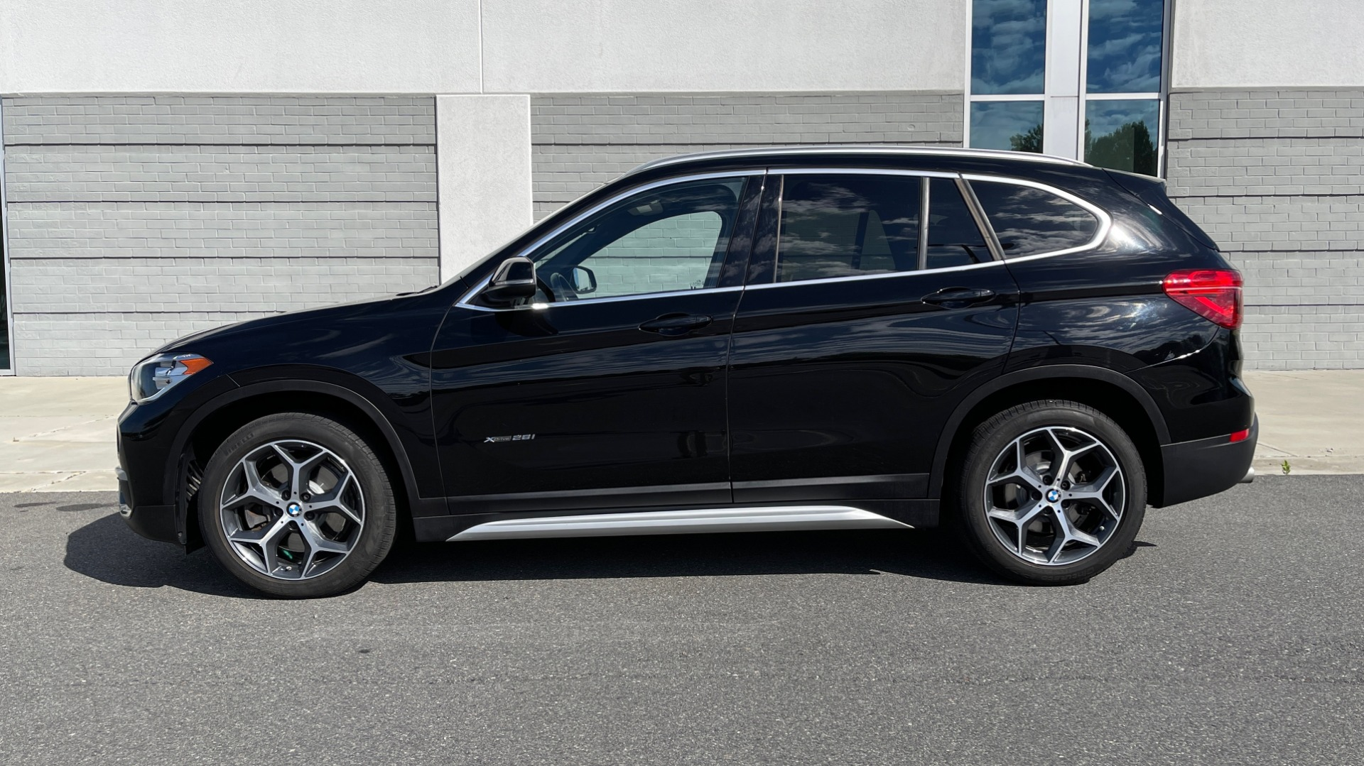 Used 2018 BMW X1 XDRIVE28I / CONV PKG / HTD SEATS / PANO-ROOF / REARVIEW for sale Sold at Formula Imports in Charlotte NC 28227 4