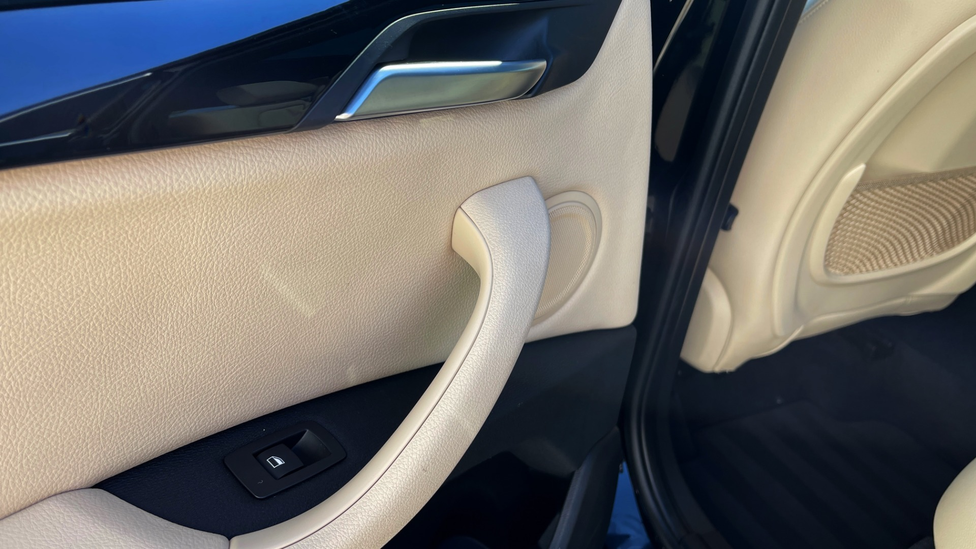 Used 2018 BMW X1 XDRIVE28I / CONV PKG / HTD SEATS / PANO-ROOF / REARVIEW for sale Sold at Formula Imports in Charlotte NC 28227 57