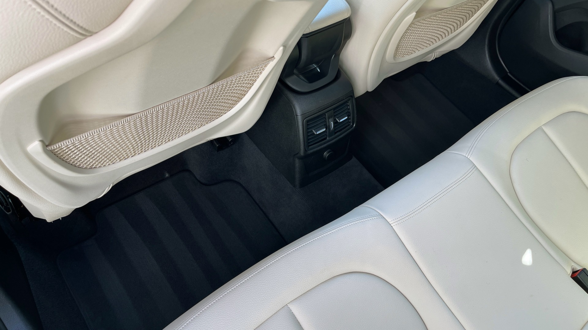 Used 2018 BMW X1 XDRIVE28I / CONV PKG / HTD SEATS / PANO-ROOF / REARVIEW for sale Sold at Formula Imports in Charlotte NC 28227 59