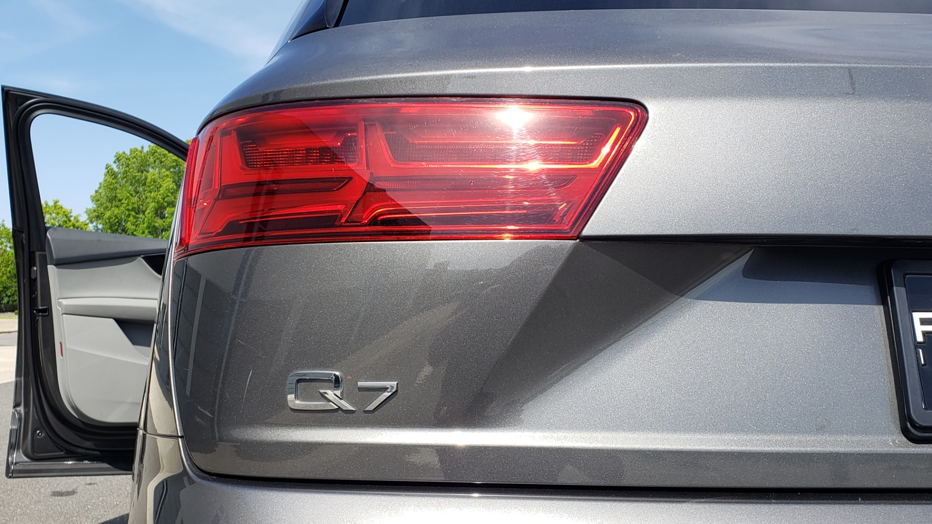 Used 2018 Audi Q7 PRESTIGE TIPTRONIC / NAV / SUNROOF / ADAPTIVE PKG / DRVR ASST / CLD WTHR /  for sale $49,995 at Formula Imports in Charlotte NC 28227 27