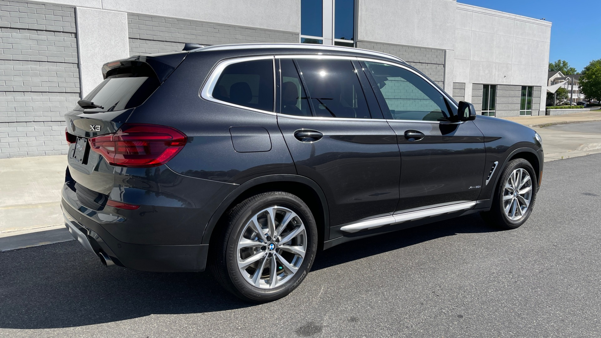 Used 2018 BMW X3 XDRIVE30I PREMIUM / NAV / DRVR ASST PLUS / CONV PKG / SUNROOF / REARVIEW for sale $33,795 at Formula Imports in Charlotte NC 28227 2