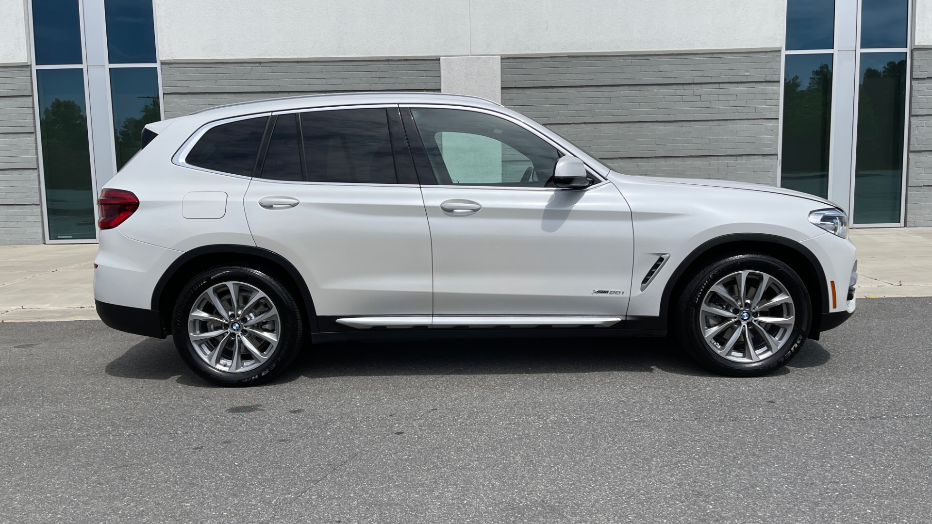 Used 2018 BMW X3 XDRIVE30I PREMIUM / NAV / DRVR ASST / CONV PKG / SUNROOF / REARVIEW for sale $32,695 at Formula Imports in Charlotte NC 28227 3