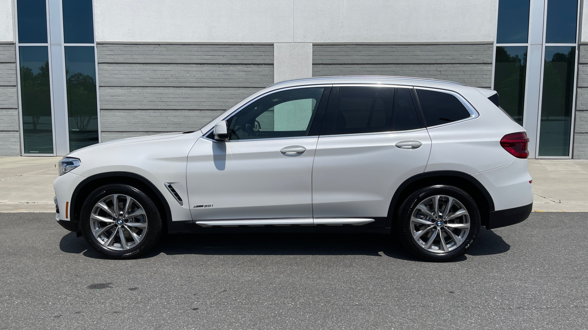 Used 2018 BMW X3 XDRIVE30I PREMIUM / NAV / DRVR ASST / CONV PKG / SUNROOF / REARVIEW for sale $32,695 at Formula Imports in Charlotte NC 28227 5
