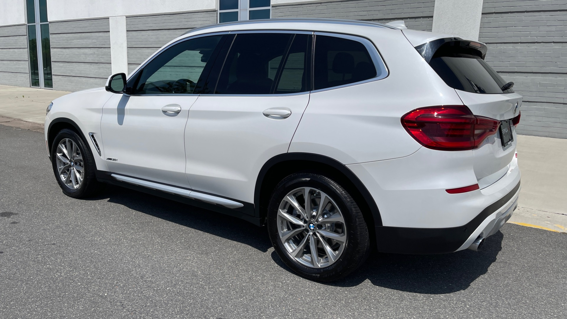 Used 2018 BMW X3 XDRIVE30I PREMIUM / NAV / DRVR ASST / CONV PKG / SUNROOF / REARVIEW for sale $32,695 at Formula Imports in Charlotte NC 28227 6